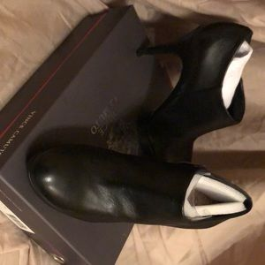 Shoes( good condition, in the original box)